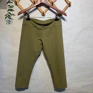 Savage Barbell Crop Leggings